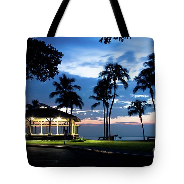 Alii Kahekili Nui Ahumanu Beach Park Hanakaoo Kaanapali Maui Hawaii Tote Bag by Sharon Mau