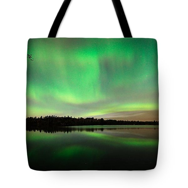 Aurora Over Tofte Lake Tote Bag by Larry Ricker