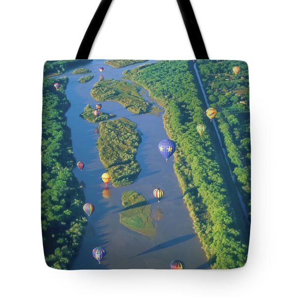 Balloons Over The Rio Grande Tote Bag by Alan Toepfer