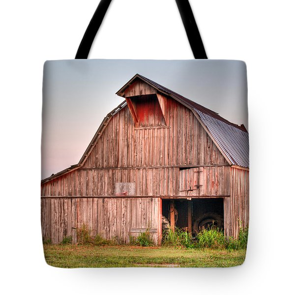 Barn Near Walnut Ridge Arkansas Tote Bag by Douglas Barnett
