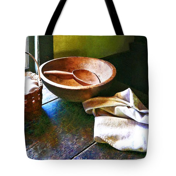 Basket of Eggs Tote Bag by Susan Savad