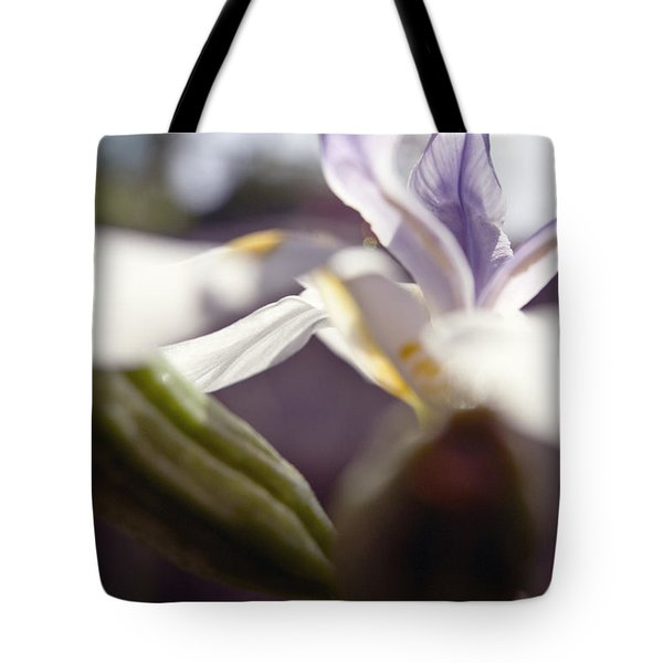 Blurred Iris Tote Bag by Ray Laskowitz - Printscapes