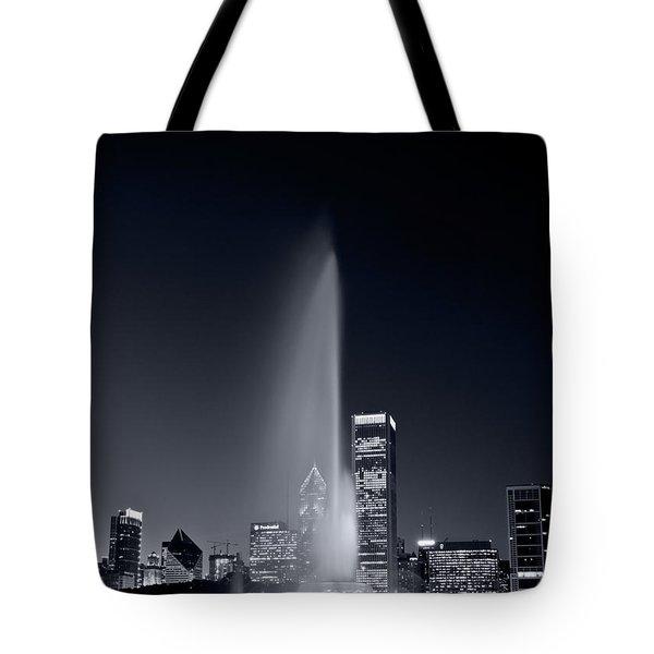 Chicagos Buckingham Fountain Bl And W Portrait Tote Bag by Steve Gadomski