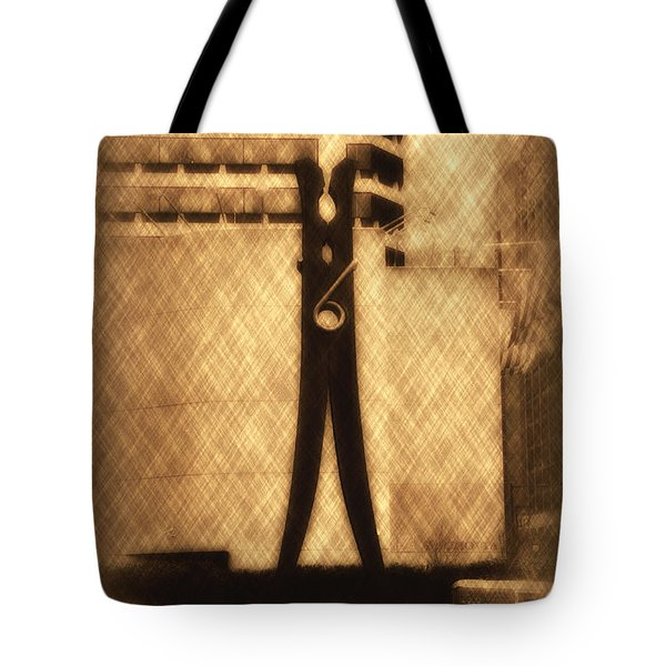 Clothes Pin Statue - Philadelphia Tote Bag by Bill Cannon