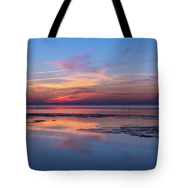 Tote Bag featuring the photograph Draw The Line by Thierry Bouriat