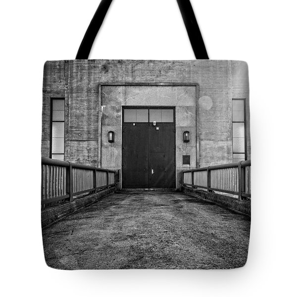 End Of The Line Tote Bag by Edward Fielding
