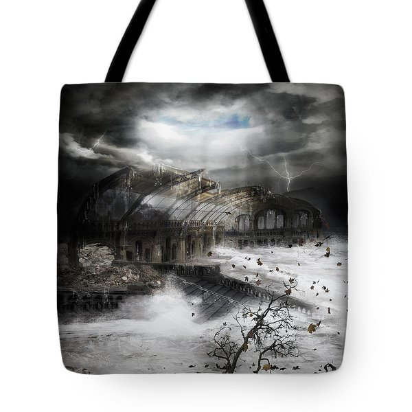 Eye Of The Storm Tote Bag by Mary Hood