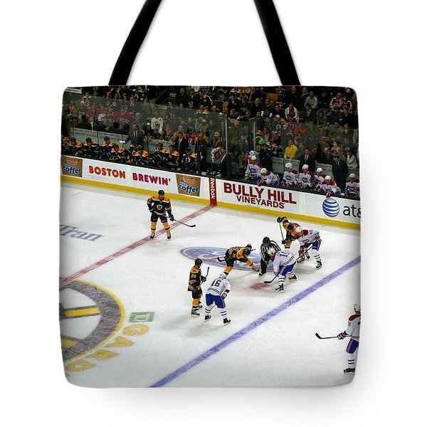 Face-off Tote Bag by Juergen Roth