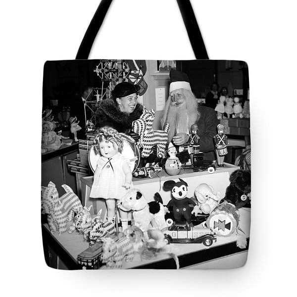 First Lady Eleanor Roosevelt And Santa Tote Bag by Science Source
