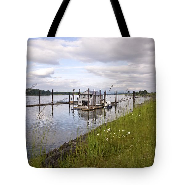 Floating House On The Columbia River Oregon. Tote Bag by Gino Rigucci