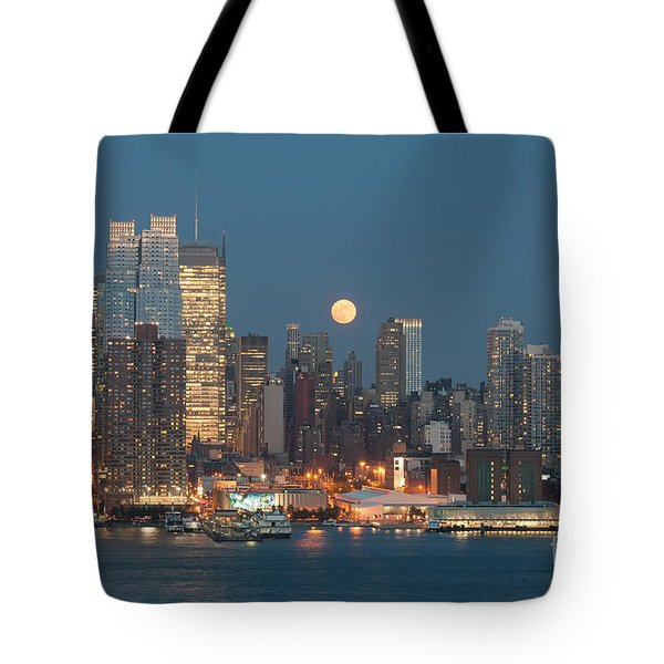 Full Moon Rising Over New York City I Tote Bag by Clarence Holmes