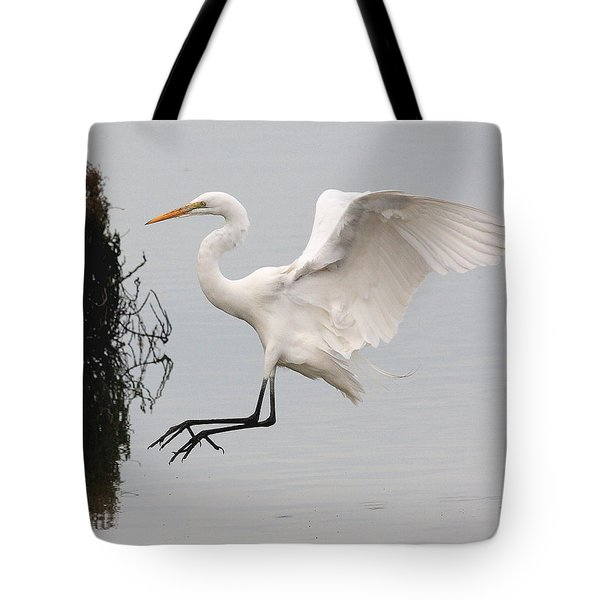 Great White Egret Landing On Water Tote Bag by Wingsdomain Art and Photography