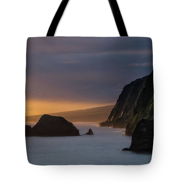 Hawaii Sunrise At The Pololu Valley Lookout Tote Bag by Larry Marshall