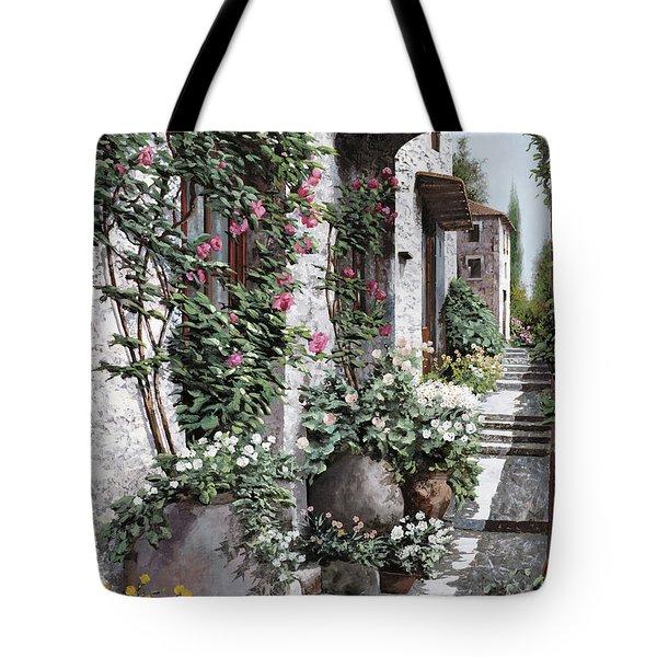 le rose rampicanti Tote Bag by Guido Borelli