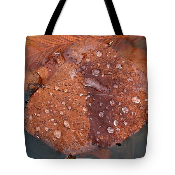 Leaf Blues Tote Bag by Juergen Roth