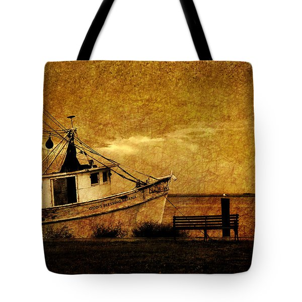 Living in the past Tote Bag by Susanne Van Hulst