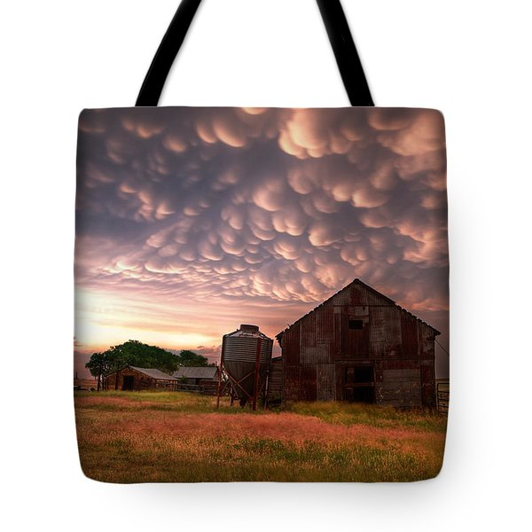 Mammatus Kansas Tote Bag by Thomas Zimmerman