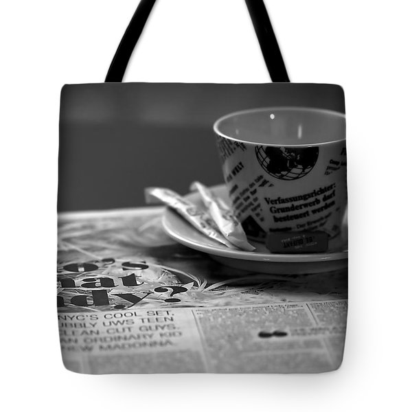 Morning Read Tote Bag by Evelina Kremsdorf