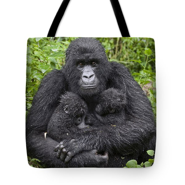 Mountain Gorilla Mother Holding 5 Month Tote Bag by Suzi Eszterhas