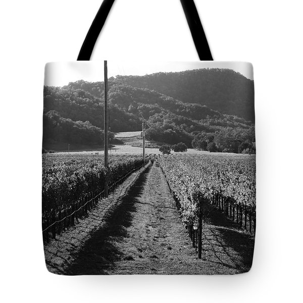 Napa Valley Vineyard .  Black and White . 7D9020 Tote Bag by Wingsdomain Art and Photography
