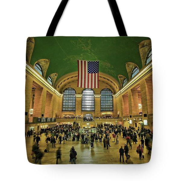New York Minute Tote Bag by Evelina Kremsdorf