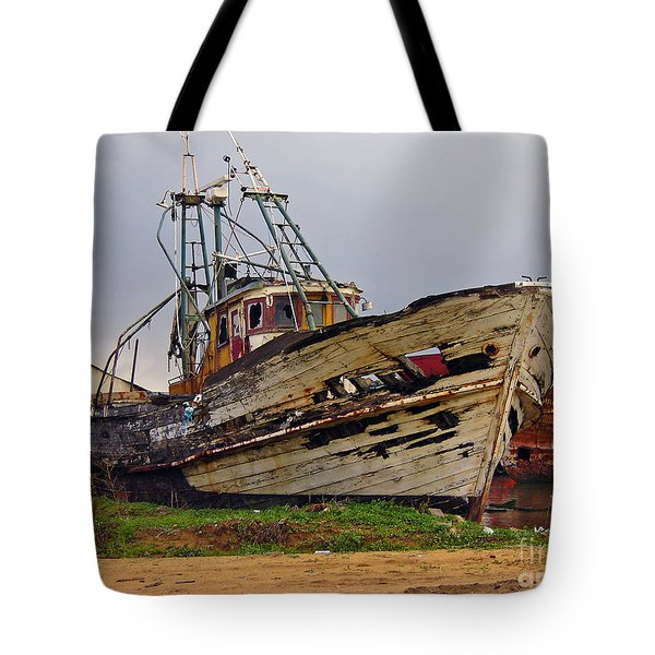 Old Trawler Tote Bag by Jose Elias - Sofia Pereira