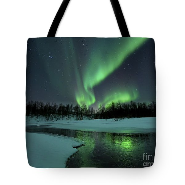 Reflected Aurora Over A Frozen Laksa Tote Bag by Arild Heitmann