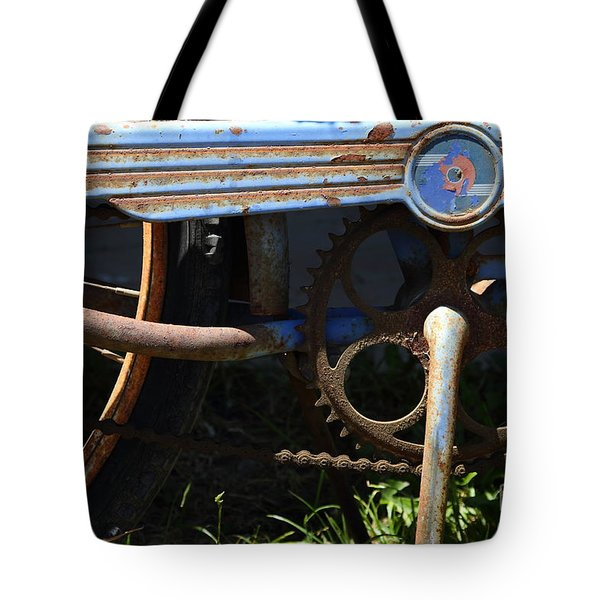 Rusty Old Bicycle . 7D15946 Tote Bag by Wingsdomain Art and Photography
