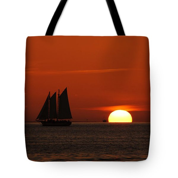 Schooner In Red Sunset Tote Bag by Susanne Van Hulst