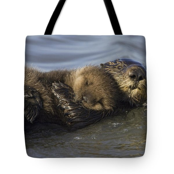 Sea Otter Mother With Pup Monterey Bay Tote Bag by Suzi Eszterhas