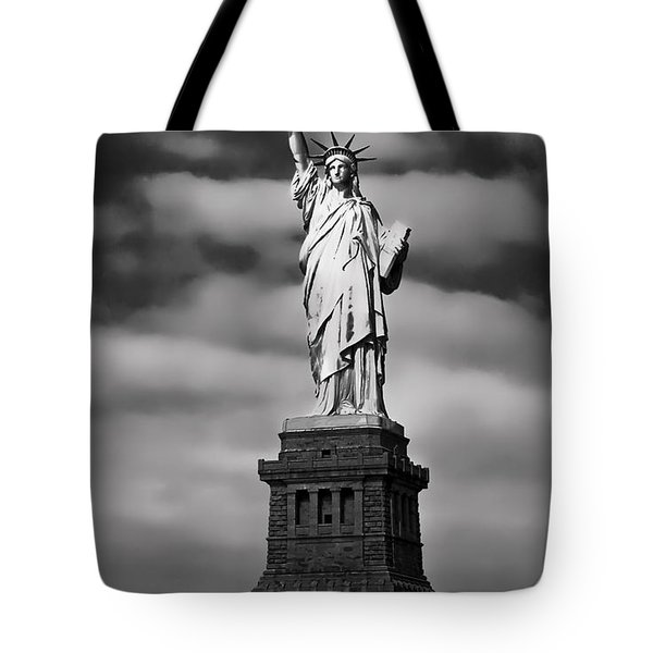 Statue Of Liberty At Dusk Tote Bag by Daniel Hagerman