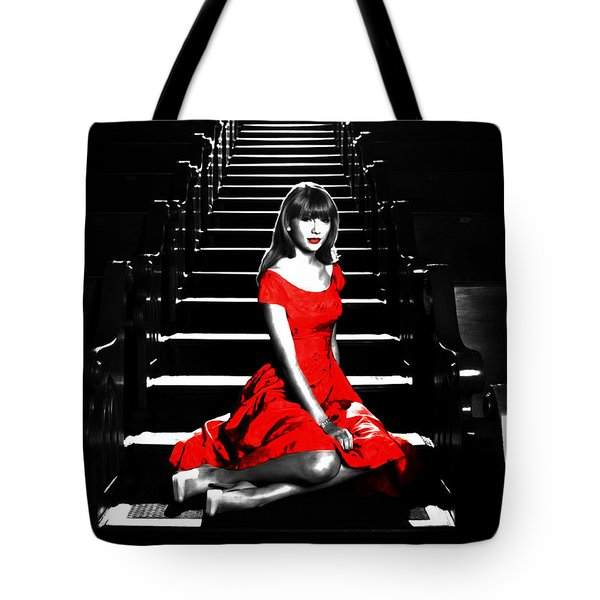 Taylor Swift 8c Tote Bag by Brian Reaves