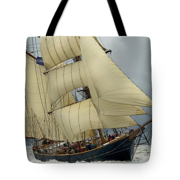 The Barkentine Loa Tote Bag by Robert Lacy