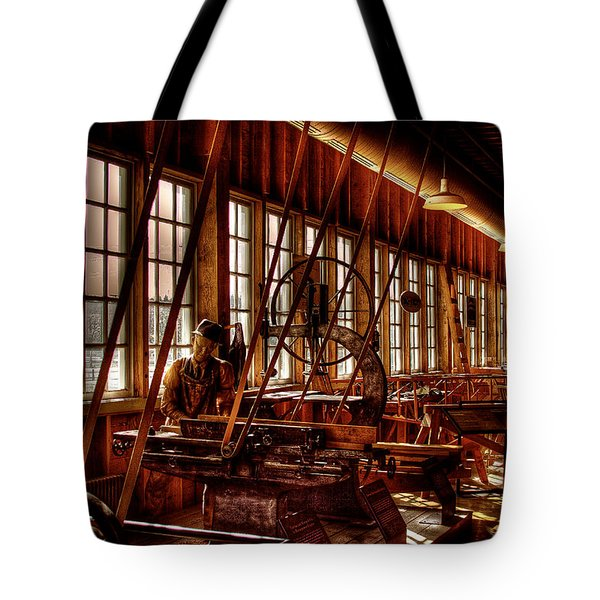 The Red Barn Of The Boeing Company Iv Tote Bag by David Patterson