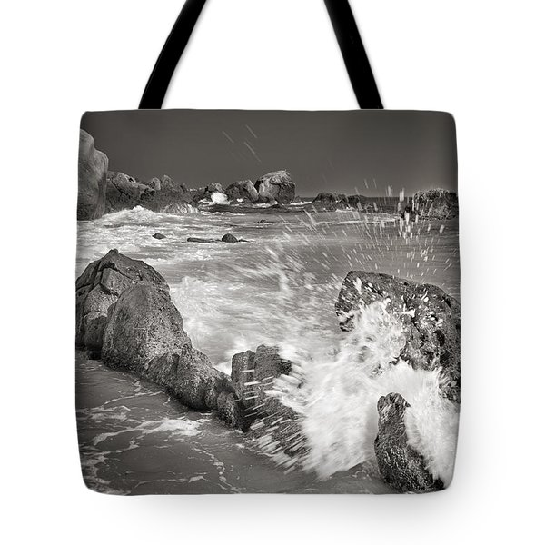 The Wave Tote Bag by Guido Montanes Castillo