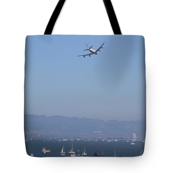 United Airlines Boeing 747 Over The San Francisco Bay At Fleet Week . 7D7860 Tote Bag by Wingsdomain Art and Photography
