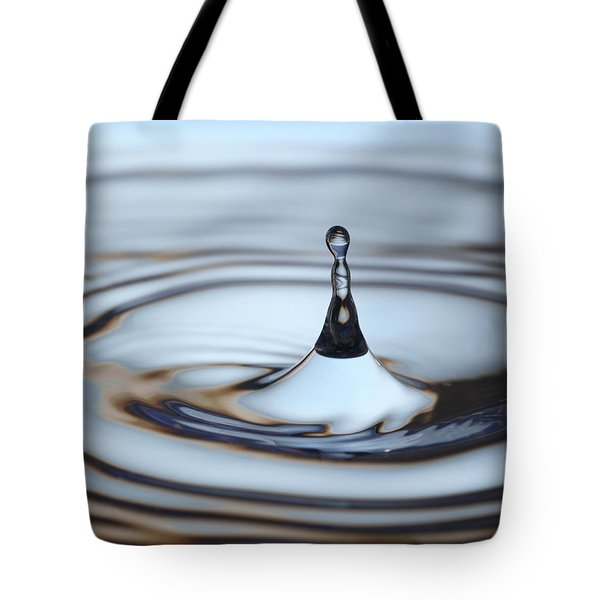Water Drop Splash Tote Bag by Frank Tschakert