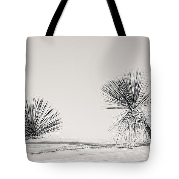 yucca in White sands Tote Bag by Ralf Kaiser