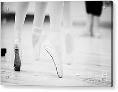 Ballet Students Demonstrating En Pointe Classical Technique At A Ballet School In The Uk Acrylic Print by Joe Fox