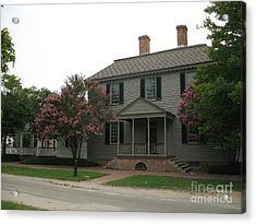 Clapboard House Colonial Williamsburg Acrylic Print by Christiane Schulze Art And Photography