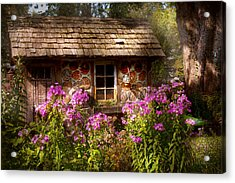 Garden - Belvidere Nj - My Little Cottage Acrylic Print by Mike Savad