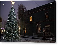 Grants Pass Town Center Christmas Tree Acrylic Print by Mick Anderson