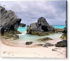 Horseshoe Beach In Bermuda Acrylic Print by Janice Drew