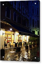 La Roberto's Trattoria On A Rainy Eve Acrylic Print by Jan Moore