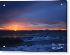 Last Ray Of Sunlight At Pt Mugu With Wave Acrylic Print by Ian Donley