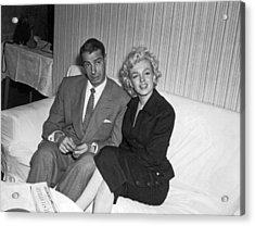 Marilyn Monroe And Joe Dimaggio Acrylic Print by Underwood Archives