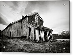 Old Barn Acrylic Print by Dave Bowman