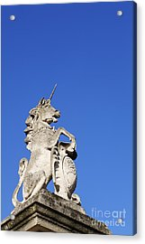 Statue Of A Unicorn On The Walls Of Buckingham Palace In London England Acrylic Print by Robert Preston