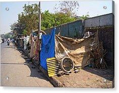 Street Dwellings In Mumbai Acrylic Print by Mark Williamson