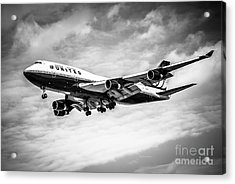 United Airlines Airplane In Black And White Acrylic Print by Paul Velgos